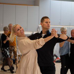 Juubbiii – vi må danse igen :-)