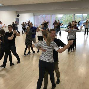 Få dans-i-livet hos Radich & Holde!
